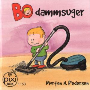 Omslag, Bo damsuger, Bo støvsuger støv fra gulvet